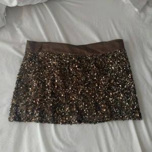 NWOT YFB sequin skirt